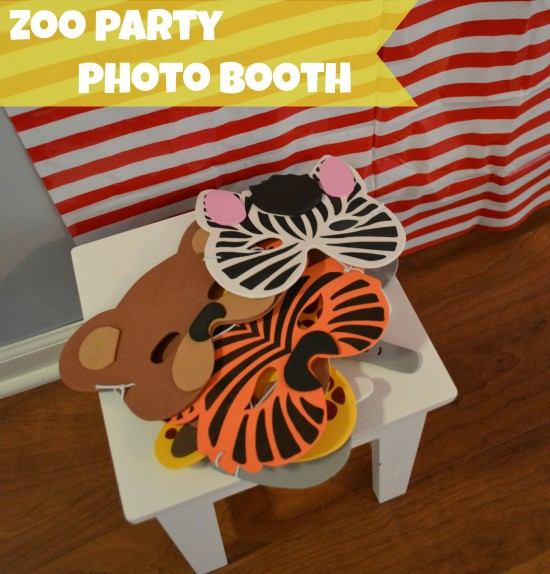 zoo birthday party photo booth