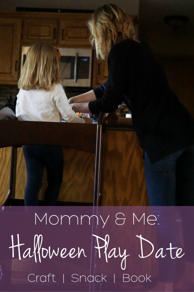 Mommy and Me: Halloween Play Date with a Craft, Snack and Book