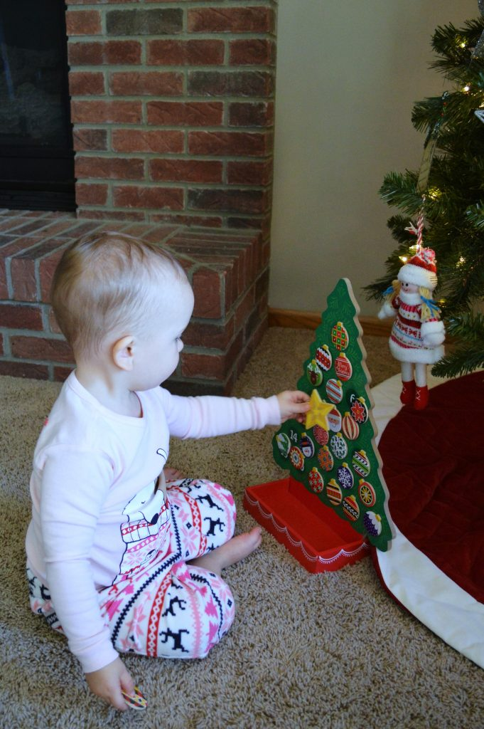Toddler-friendly holiday traditions: advent calendar