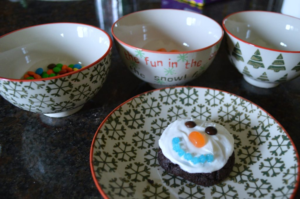 Fun winter activity for preschoolers: Snowman cookie baking