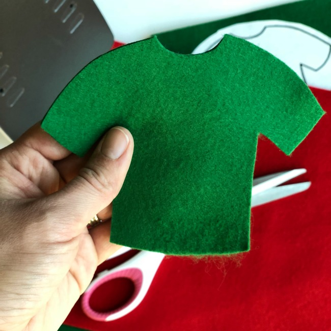 Ugly Christmas Sweater Ornament tutorial