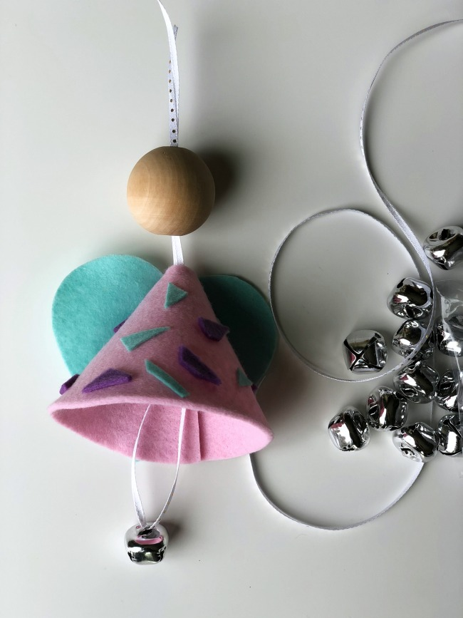 This felt angel ornament craft is so easy to assemble!
